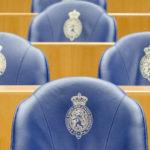 2014-05-14 10:06:18 DEN HAAG - Lege bankjes in de Tweede Kamer. ANP BART MAAT